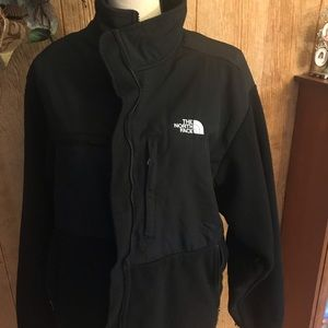 Men's North Face jacket. Black.